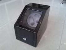 Шкатулка для автоподзавода часов WW-N-W1S3-BG